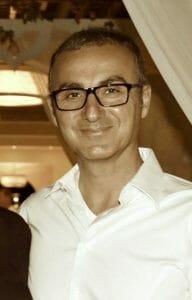 Hakan Kizmaz   Yogalehrer   Yoga Neuss Yogato Yogastudio